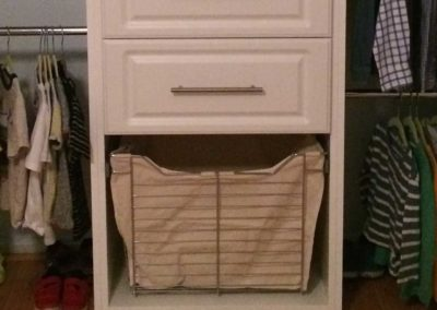 closet-stretchers-laundry-basket-4756