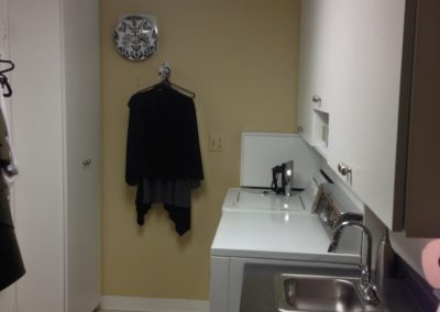 closet-strechers-laundry-room-img_0368