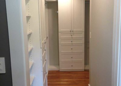 the-closet-stretchers-walk-in-29