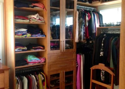 the-closet-stretchers-walk-in-img_5160