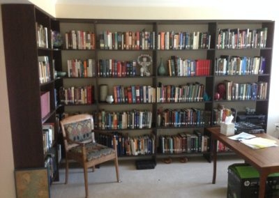 closet-stretchers-library-img_0834