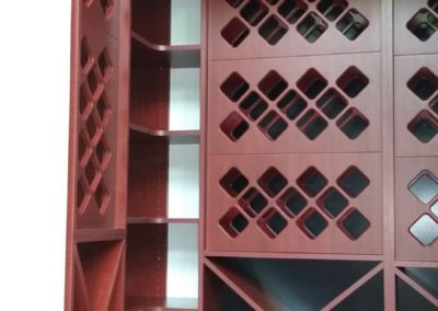 closet-stretchers-wine-storage-img_8738