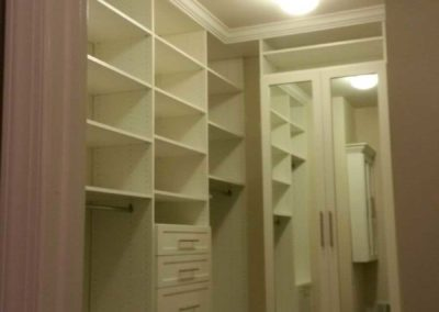 the-closet-stretchers-walk-in-img_2181
