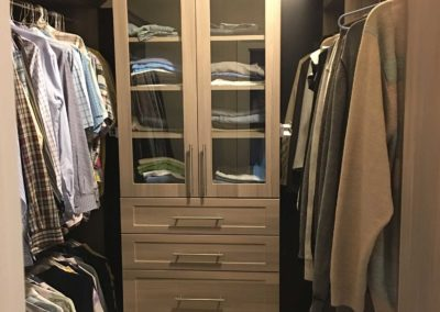 the-closet-stretchers-walk-in-img_2578